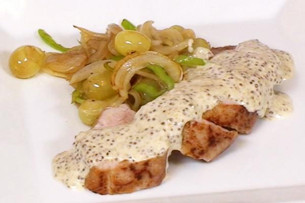 solomillo-cerdo-con-pimientos-uvas-y-mostaza