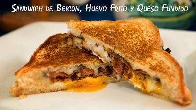 Sandwich-de-Beicon,-Huevo-Frito-y-Queso-Fundido
