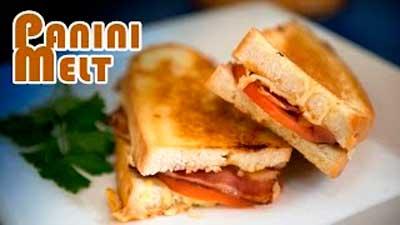 sandwich-caliente-de-bacon-tomate-y-3-quesos