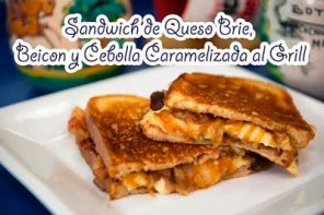 Sandwich de Queso Brie con Cebolla Caramelizada y Beicon al Grill