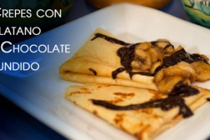 Crepes con Bananas Caramelizadas y Chocolate Fundido