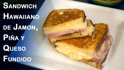 Sandwich-Hawaiiano-de-Jamon,-Pina-y-Queso-Fundido